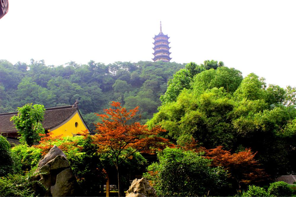 镇江> 焦山风景区   景点地址 镇江 开放时间 8:00-17:00 门票价格