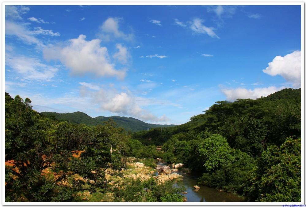 40元 景点电话 暂无 景点描述             吊罗山森林公园位于海南岛